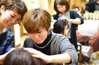 銀座の人気美容室の女性アシスタント