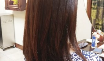 縮毛矯正で自然なストレートヘア